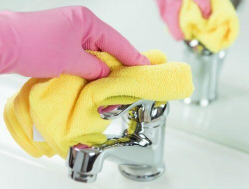 Come pulire i rubinetti cromati?